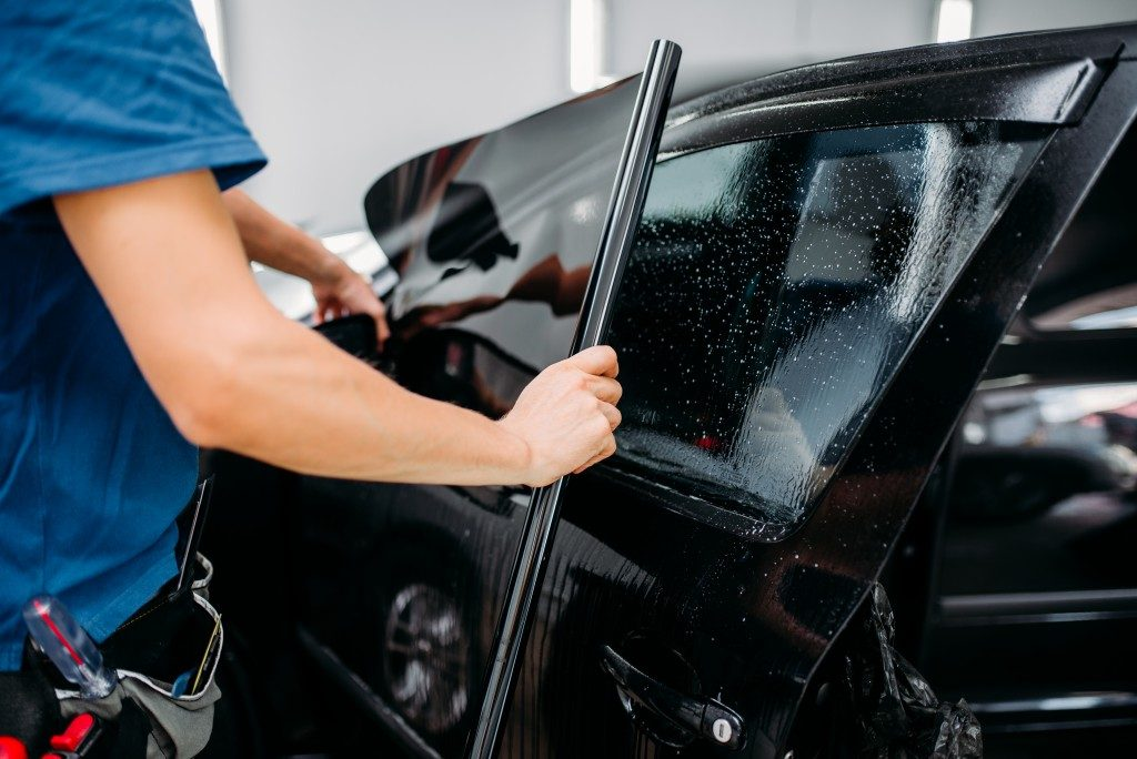 What is car tinting?