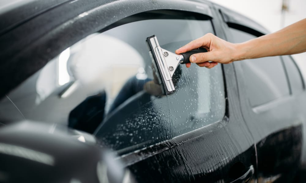 Things to consider when applying car windows tint